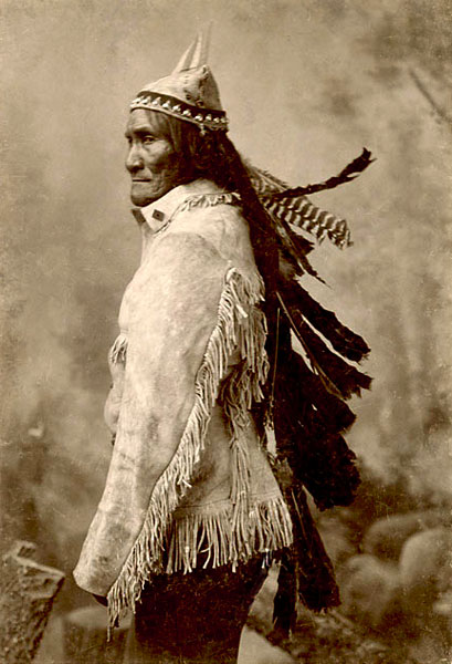 Geronimo wore turkey feathers